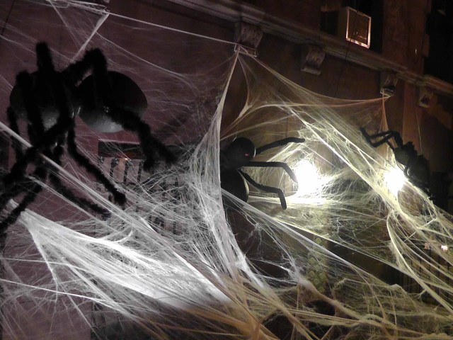 spiders, halloween, manhattan, upper east side, upper west side, travel, travelogue, ailsa prideaux-mooney