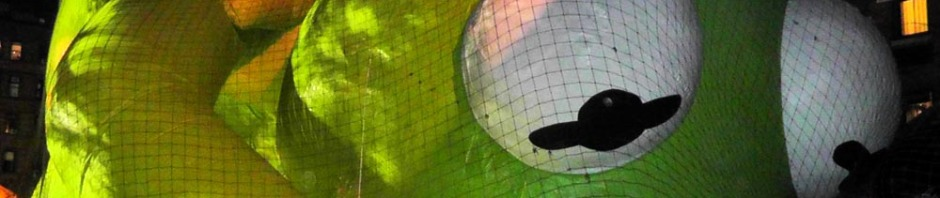 kermit, macy's thanksgiving day parade, new york, travel, travelogue, ailsa prideaux-mooney