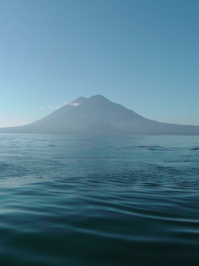volcano, guatemala, Atitlán , Tolimán, travel, ailsa prideaux-mooney, travelogue