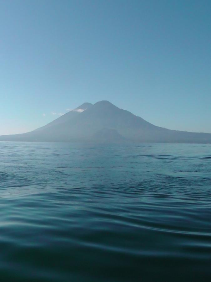 volcano, guatemala, Atitlán , Tolimán, travel, ailsa prideaux-mooney, travelogue