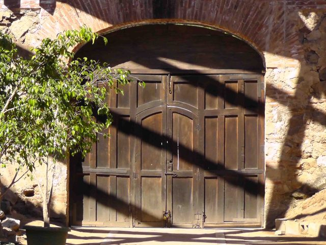 antigua, guatemala, bride's door, travel, travelogue, ailsa prideaux-mooney