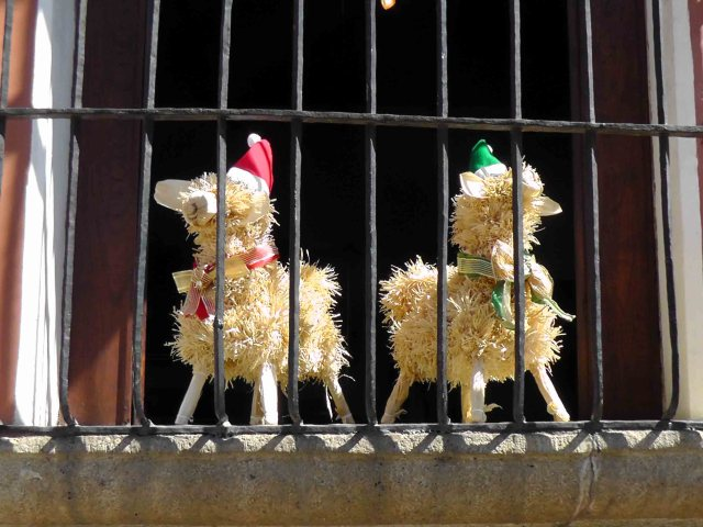 Christmas decorations Antigua-style, guatemala, antigua, travelogue, ailsa prideaux-mooney