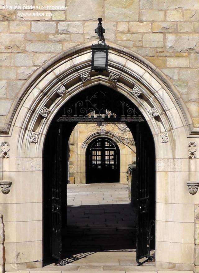 yale university archway