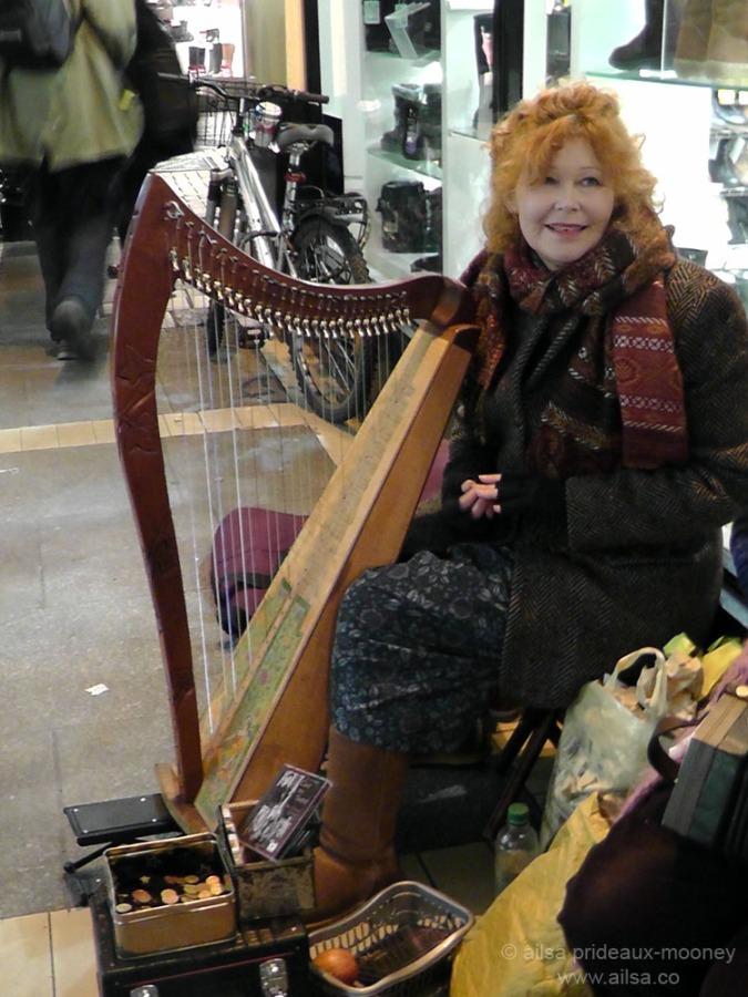 rhythm, ireland, dublin, harp player, instrument, busker, travel, photography, ailsa prideaux-mooney