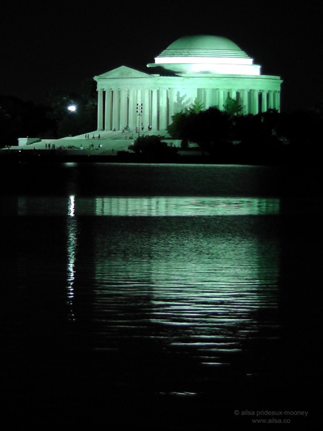 jefferson memorial at night washington dc