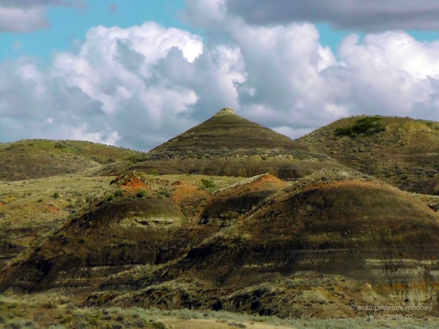 us road trip north dakota badlands erosion usa america driving