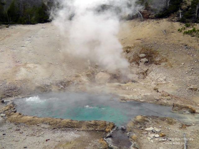 US road trip USA America montana wyoming yellowstone beartooth highway pass geyser