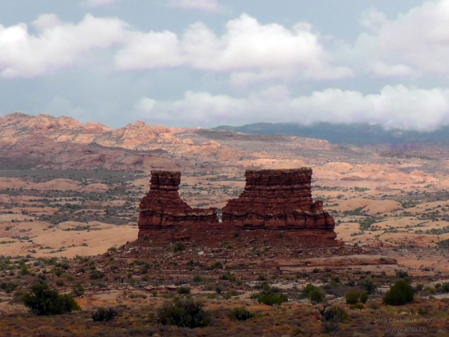 arches national park courthouse towers utah road trip us usa america