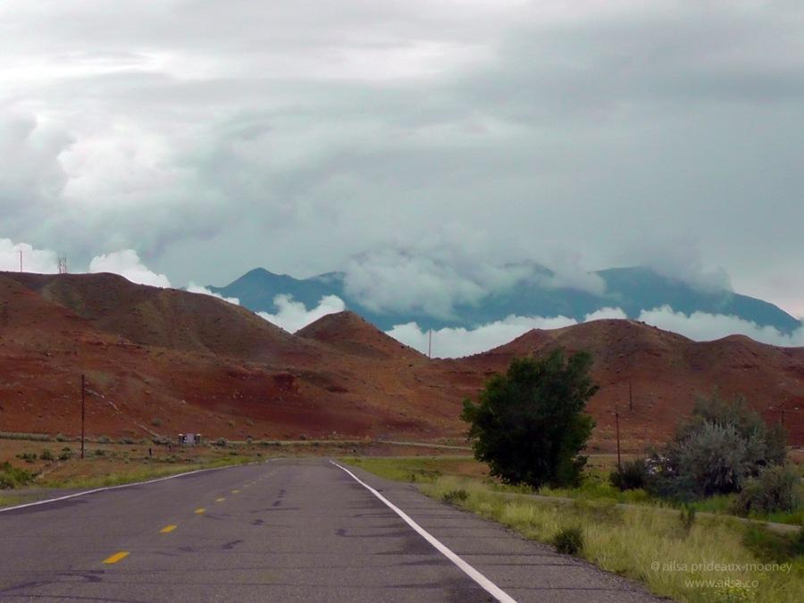 highway 24 utah road trip us usa america henry mountains
