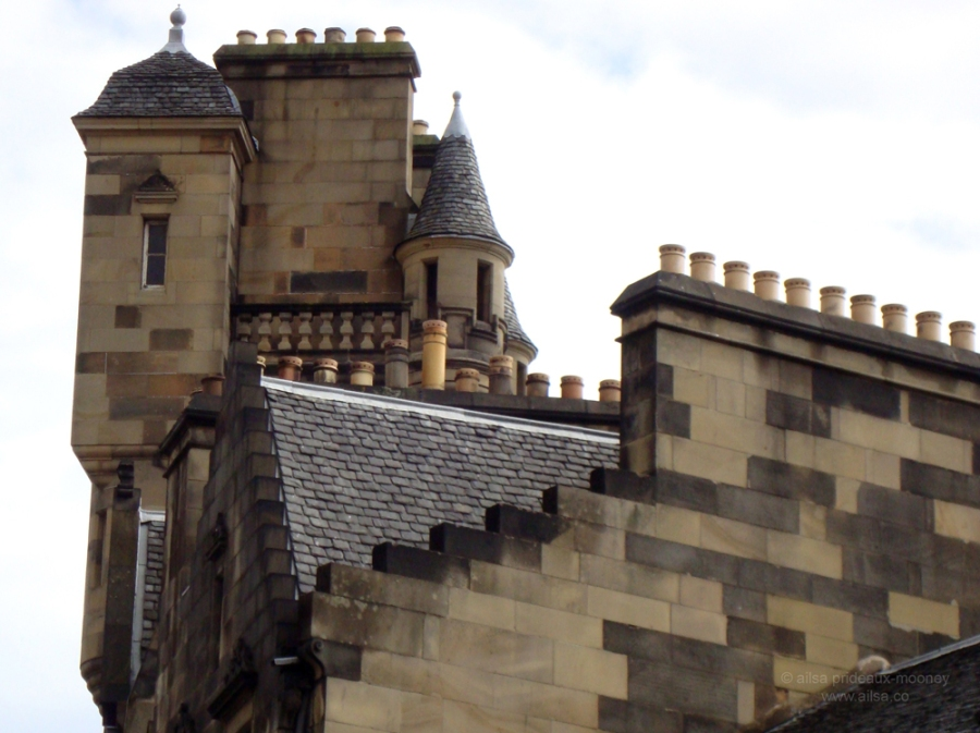 edinburgh old town rooftops