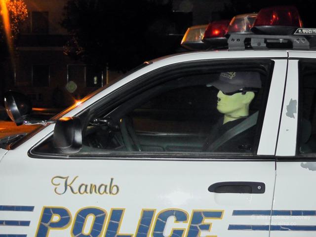 kanab utah police mannequin dummy cop car