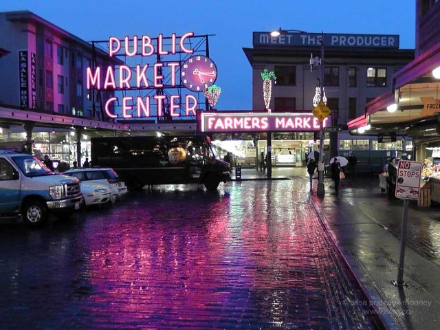 seattle, pike place market, neon sign, waterfront, travel, travelogue, photography, ailsa prideaux-mooney, travel tips