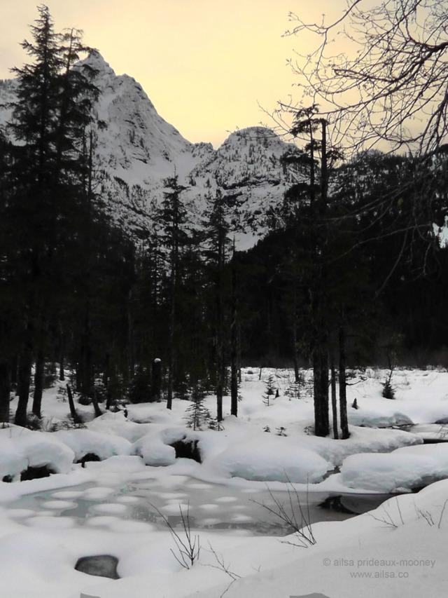 big four mountain travel washington ice caves