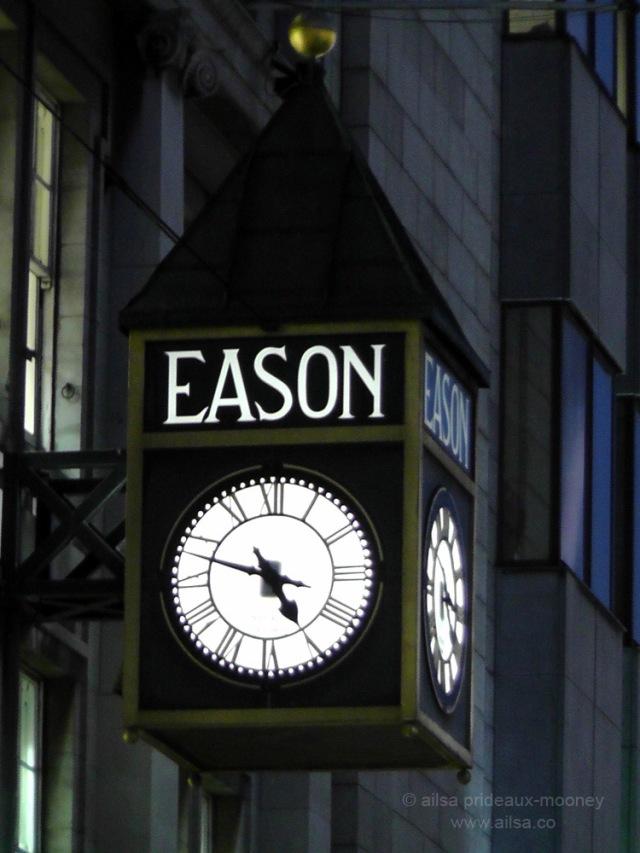 easons clock, dublin, ireland, travel, ailsa prideaux-mooney