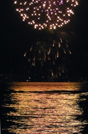 4th of july, fireworks, seattle, magnuson park, travel, travelogue, ailsa prideaux-mooney