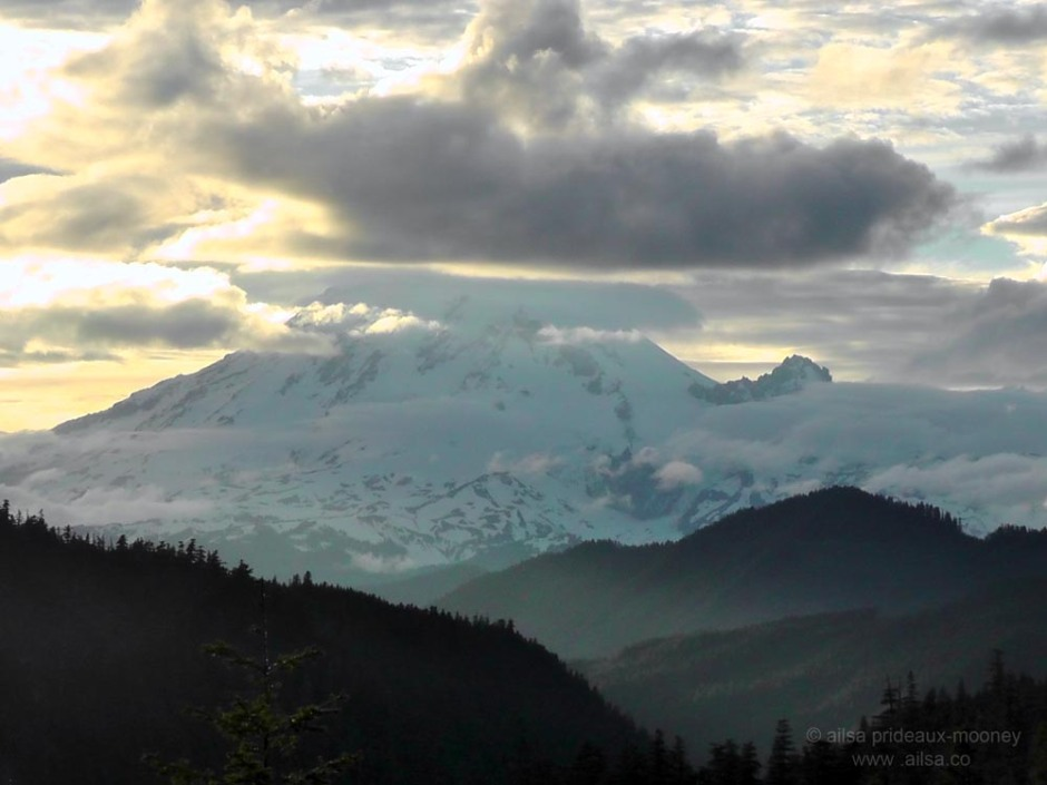 mount rainier, sunset, volcano, national park, white pass scenic byway, volcano, travel, travelogue, photography, ailsa prideaux-mooney, washington
