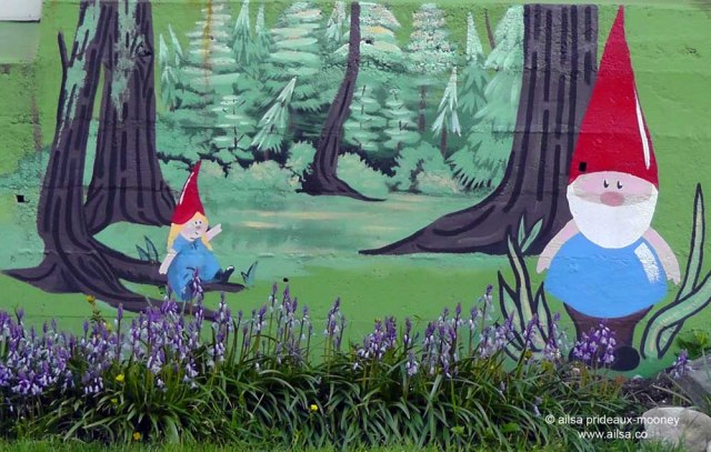 garden gnome, mural, wall art, seattle, ballard, travel, travelogue, ailsa prideaux-mooney, photography