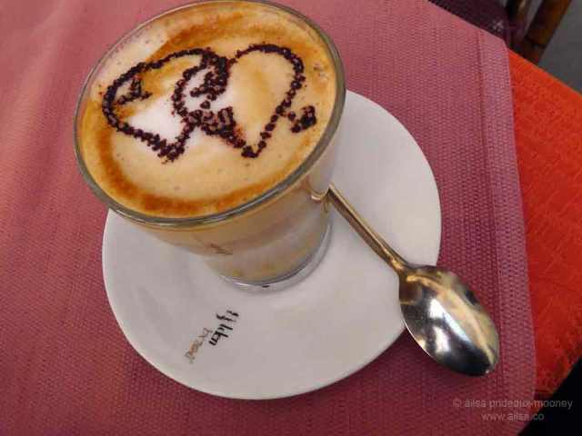 coffee, caffe latte, italian coffee, Rome, Italy, photography, travel, travelogue, Ailsa Prideaux-Mooney