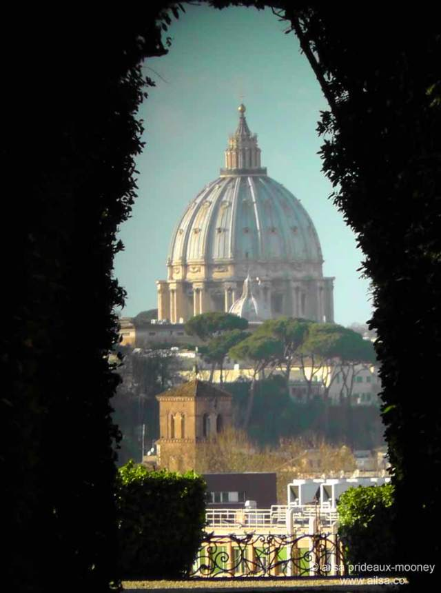 Villa del Priorato di Malta, I Cavalieri di Malta, Rome, Italy, travel, travelogue, photography, keyhole, Ailsa Prideaux-Mooney