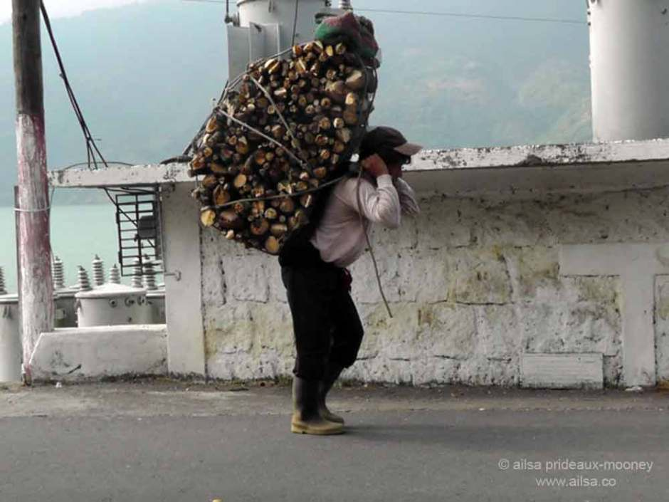 guatemala, atitlan, log carrying, travel, travelogue, photography, ailsa prideaux-mooney, travel photography