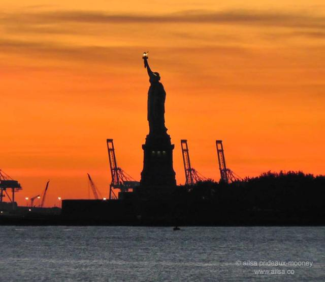 statue of liberty, lady liberty, hudson river, new york, manhattan, battery park, new jersey docks, travel, travelogue, photography, ailsa prideaux-mooney