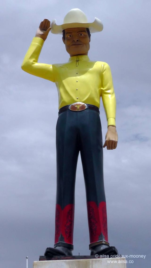 muffler man, giant cowboy, amarillo, texas, route 66, roadside attraction, travel, travelogue, road trip, ailsa prideaux-mooney