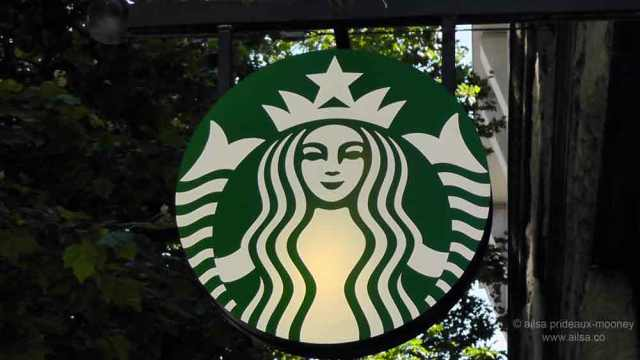 starbucks logo, starbucks coffee, seattle, pike place market, travel, travelogue, photography, ailsa prideaux-mooney