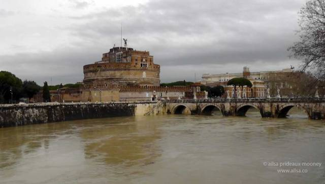 castel sant'angelo, rome, italy, travel, travelogue, ailsa prideaux-mooney