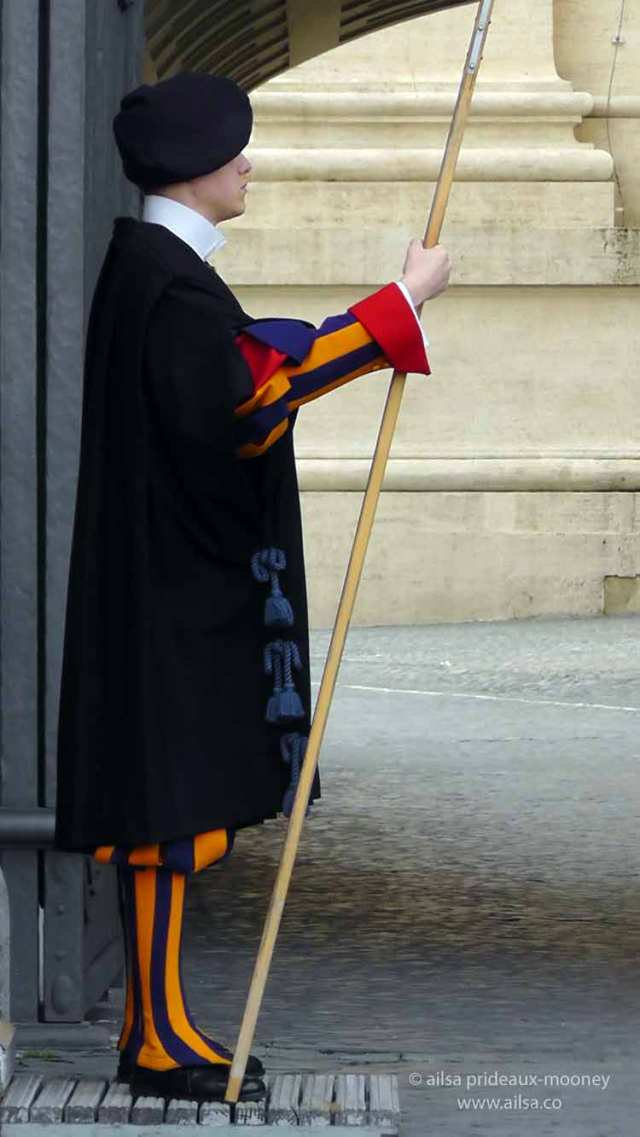 swiss guard, vatican, vatican city, rome, papal guards, pope's army, italy, rome, travel, travelogue, ailsa prideaux-mooney