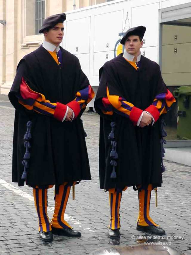 vatican city, st peter's basilica, rome, italy, travel, travelogue, ailsa prideaux-mooney, swiss guard
