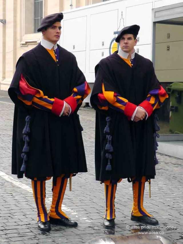 vatican city, st peter's basilica, rome, italy, travel, travelogue, ailsa prideaux-mooney, swiss guard