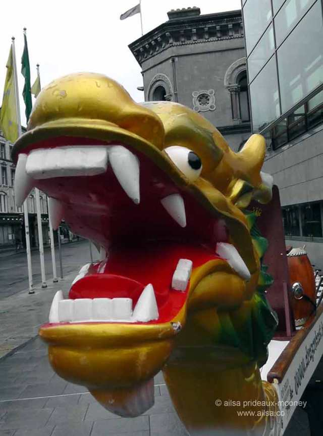 dublin chinese new year festival 2015, dragons, tai chi, kung fu, dragon dance, lion dance, year of the sheep, chinese harp, zither, travel, travelogue, ailsa prideaux-mooney, chinese dragon boat racing