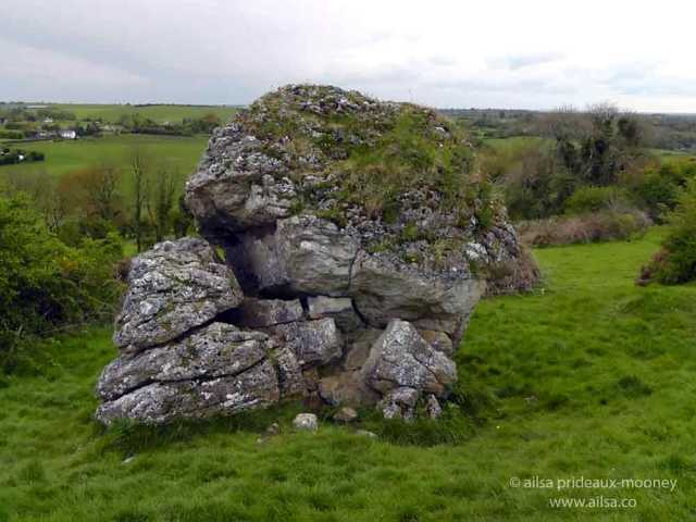 Ail na Míreann, cat stone, catstone, hill of uisneach, navel of ireland, stone of the divisions, Umbilicus Hinerniae, Axis Mundi, ireland, westmeath, travel, travelogue, ailsa prideaux-mooney