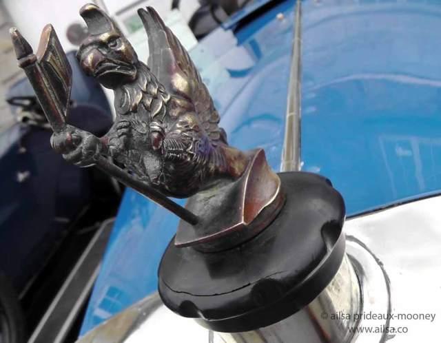 vintage car rally, irish veteran and vintage car club, powerscourt estate, picnic, travel, travelogue, ireland, ailsa prideaux-mooney, hood ornament
