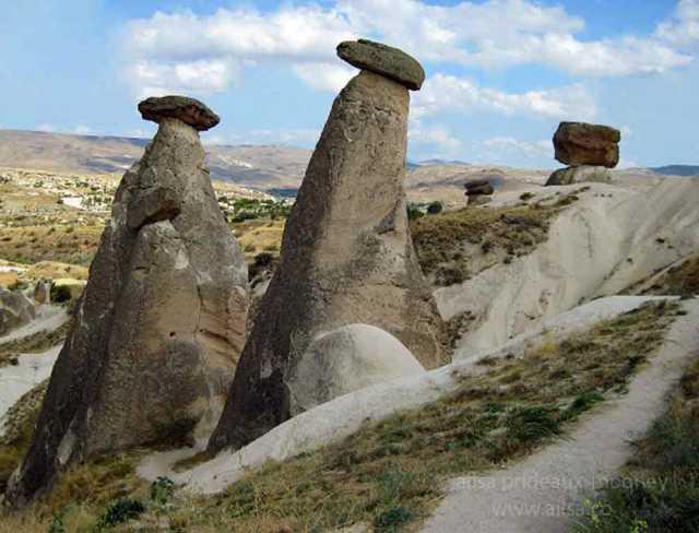 turkey, Ürgüp, cappadocia, three graces, three beauties, fairy chimmneys, travel, travelogue, ailsa prideaux-mooney